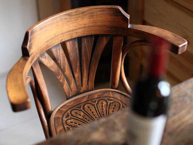 guesthouse-eettafel-wijn