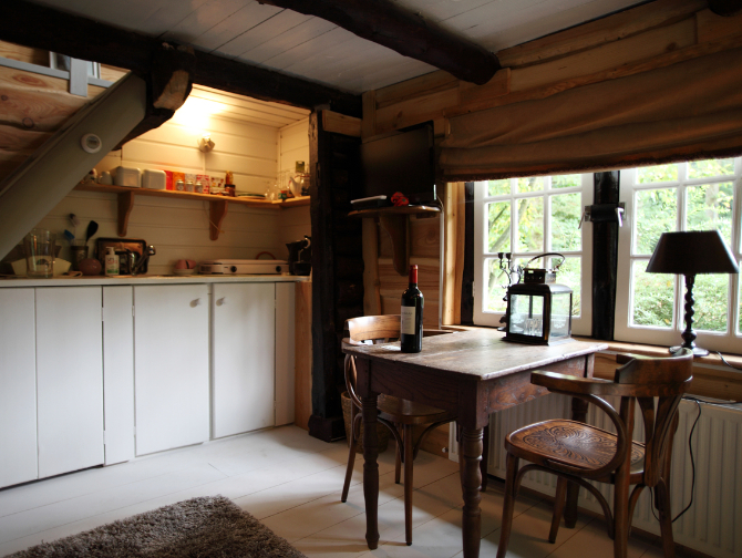 guesthouse-keuken-eettafel